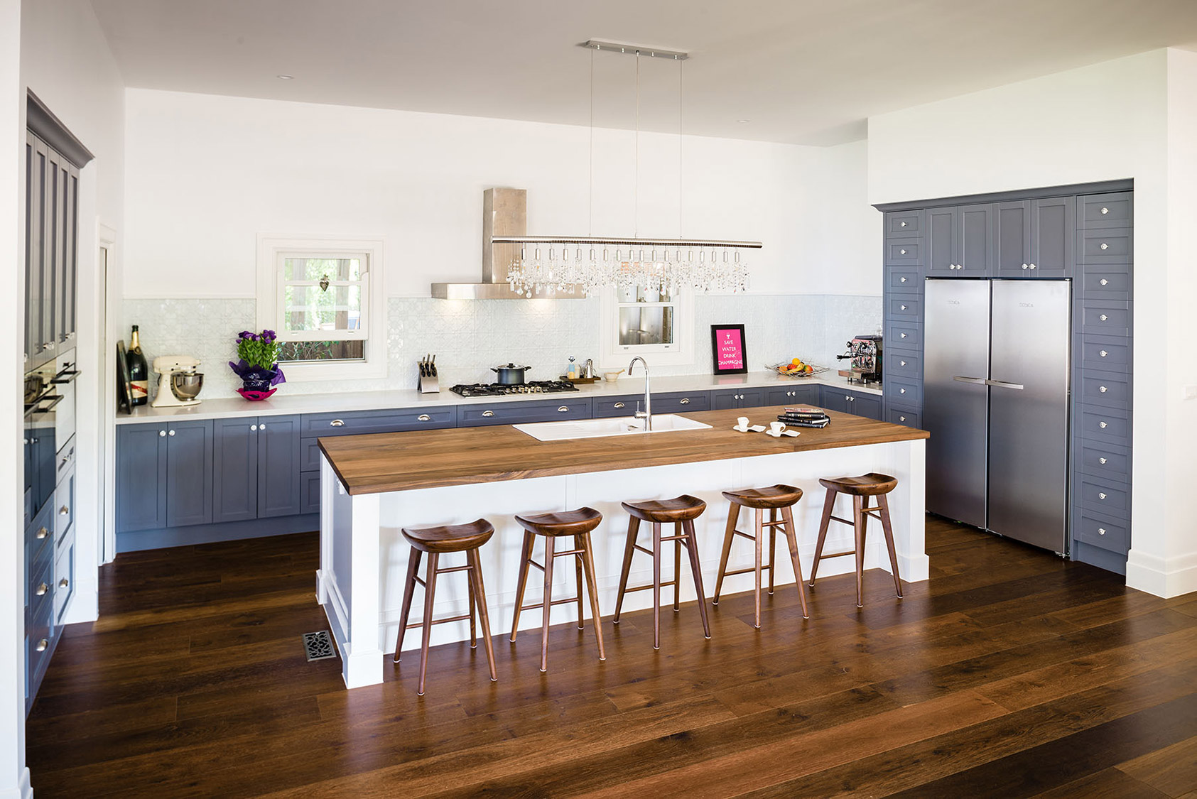 Blue Hampton Style Kitchen With Shaker Doors Steding